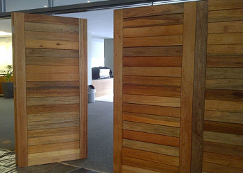Meranti-Horizontal-stacking-doors